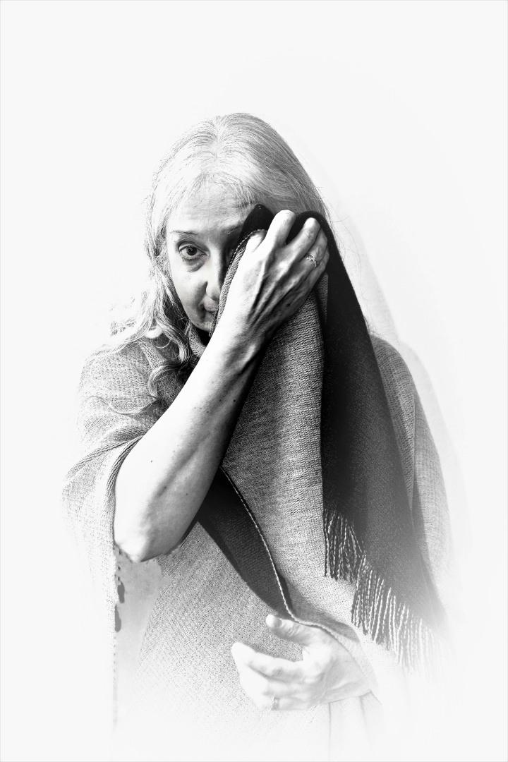 judy-bodywrap-covering-one-eye-1a-1